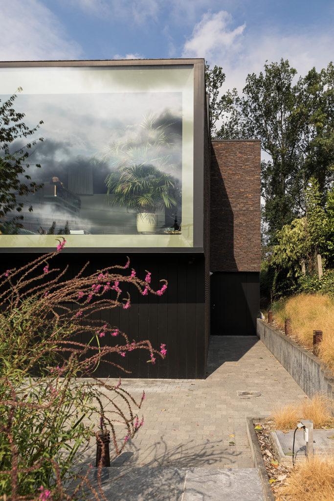 architecture moderne brique fenêtre panoramique