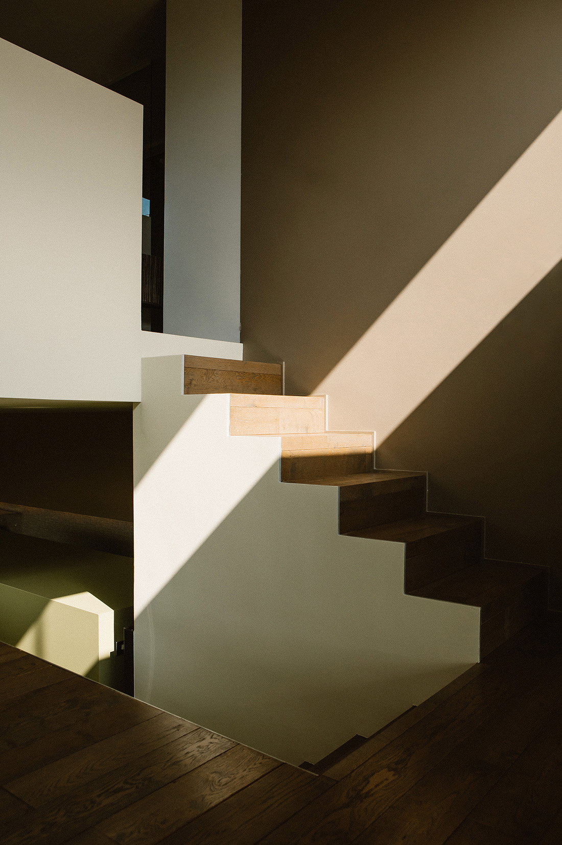 interior design stairs and sunlight