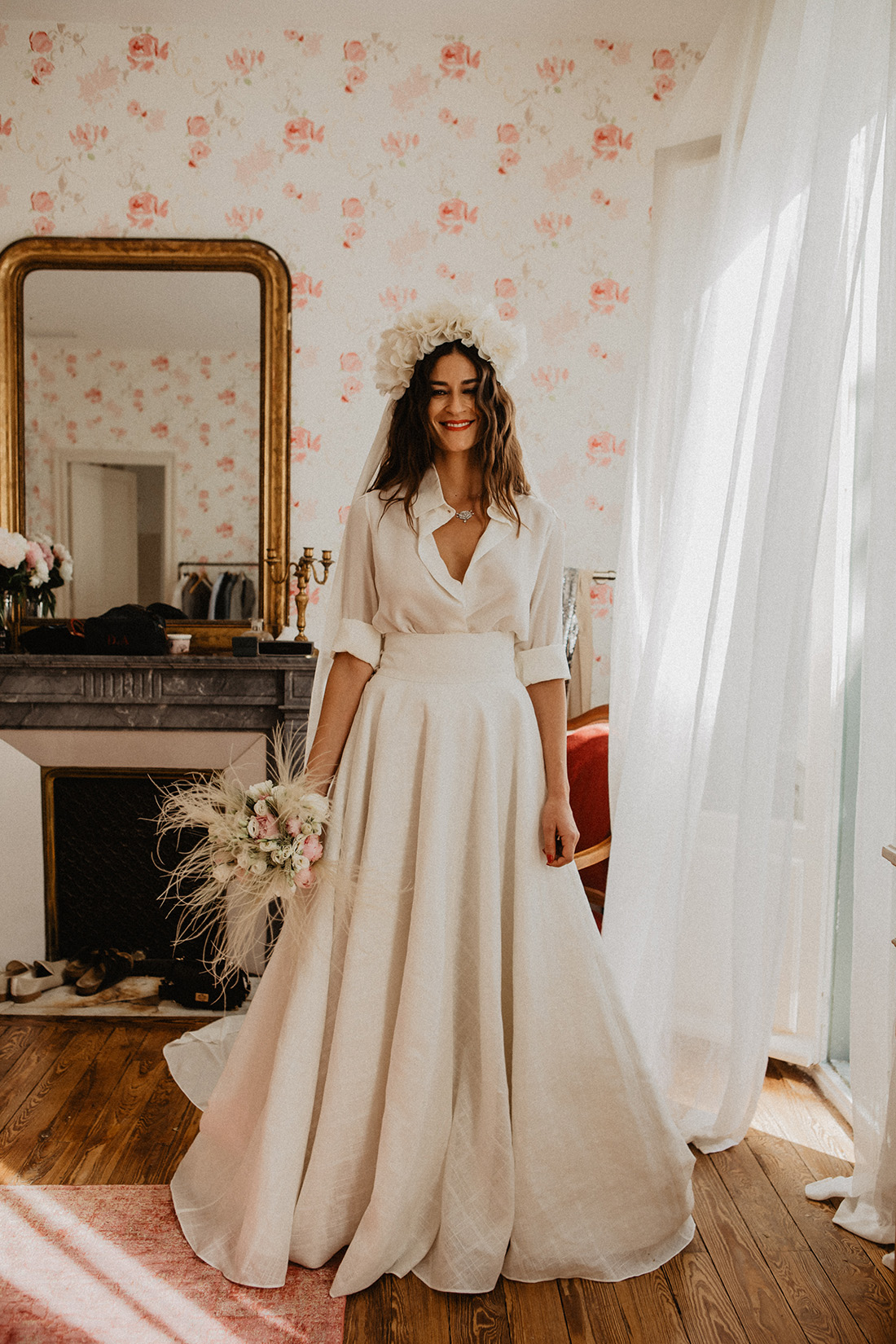 beautiful bride is ready in her victoire vermeulen total look